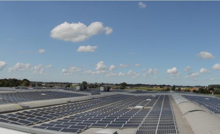 zonnepanelen op dak Sioen